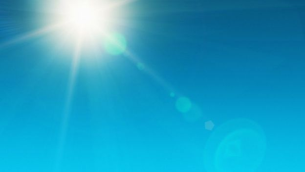 Imagen del sol en el cielo
