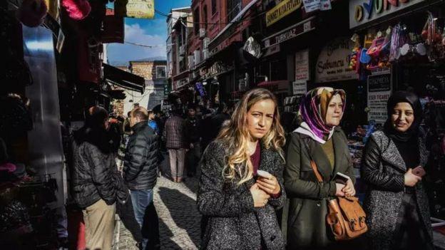 İstanbul'da alışveriş yapanlar