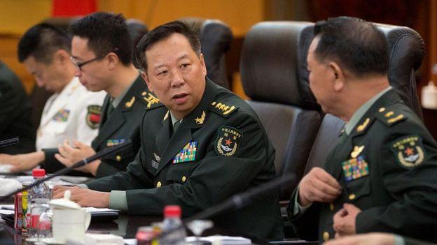 中央军委联合参谋部参谋长李作成(图中)