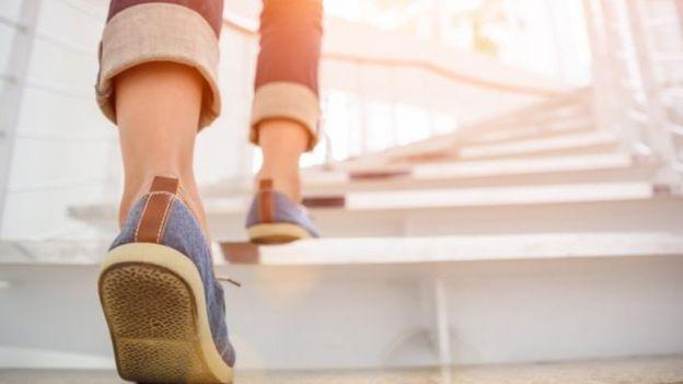 تاثیر پیادهروی بر سلامتی و کاهش وزن - دکتر مایکل موزلی