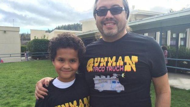 John Romero y su hijo