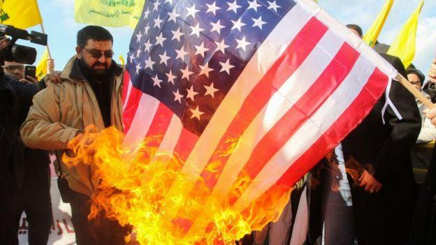 Manifestación contra EE.UU. en el Líbano