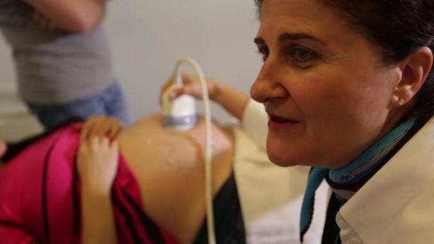 Dr. Ayşe Aytoz