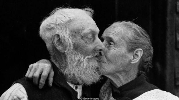 Trong lúc tình dục dị tính rõ ràng là đã tồn tại từ khi xuất hiện loài người cho tới nay, nhưng khái niệm tình dục dị tính lại mới chỉ được sáng tạo ra trong thời gian gần đây