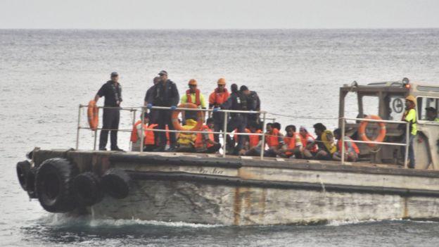 Pemerintah Australia kini menghadapi gugatan karena memperlakukan anak-anak yang terlibat penyeludupan pengungsi dengan tidak baik