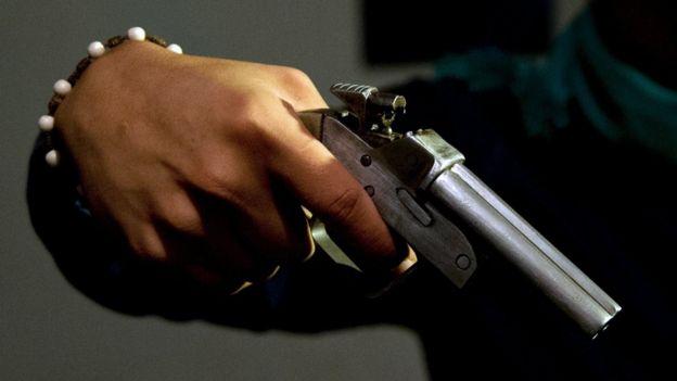 Arma (foto de archivo)