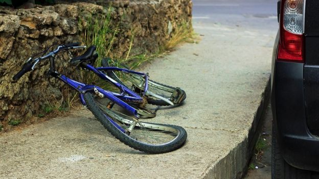 damaged bicycle