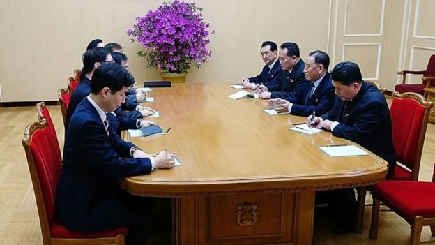 Image provided by South Korean president\'s office, Kim Yong-Chol (2nd right), vice-chairman of North Korea\'s ruling Workers\' Party Central Committee, talks with South Korean delegation in Pyongyang, North Korea. Photo: 5 March 2018