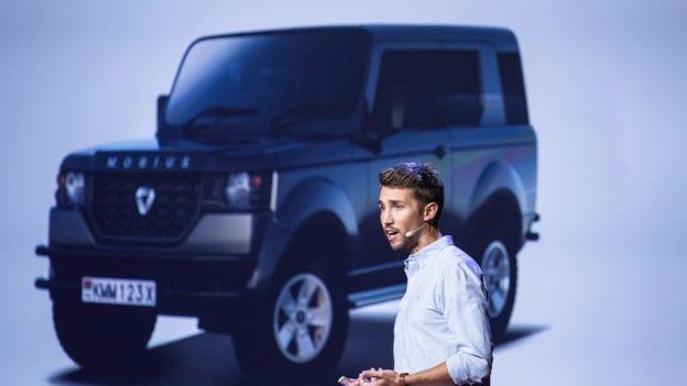 Mobius jeep