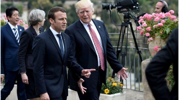 Donald Trump e Emmanuel Macron em encontro do G7 na Itália em imagem de 26 de maio de 2017