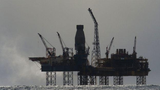 Britaniya mətbuatı: Səudiyyənin İranla neft qiyməti davası Venesuelanın başında çatlayıb