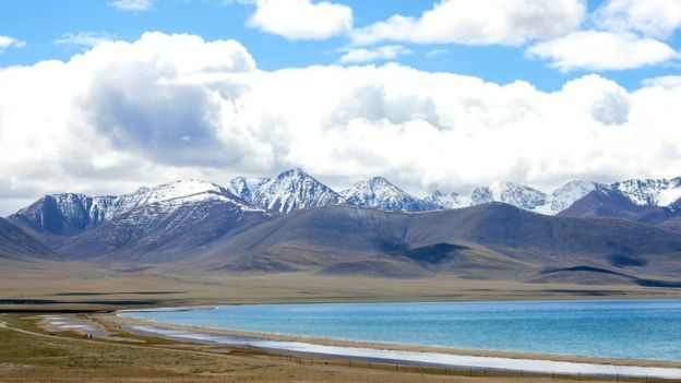 Landscape of the Tibetan plateau.