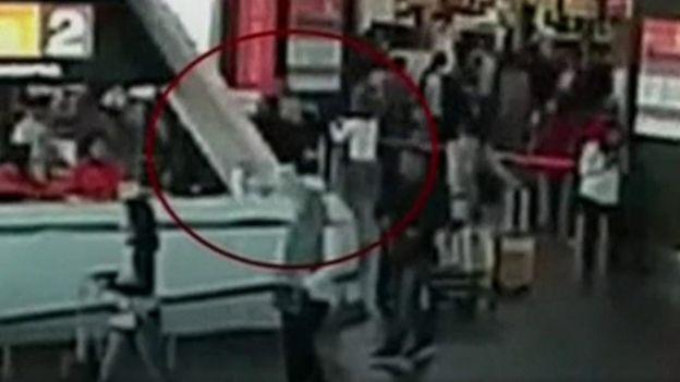 كيم جونغ-نام تظهر للهجوم في مطار كوالالمبور بماليزيا