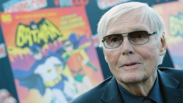 Adam West tenía 88 años y murió de leucemia.