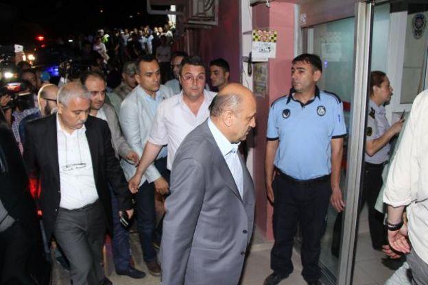 Bakan Işık hastanedeki askerleri ziyaret etti