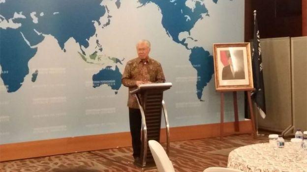 Menteri Enggartiasto saat mengumumkan rencana impor 500 ribu ton beras