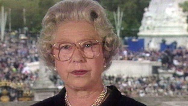 Rainha Elizabeth 2ª faz discurso na televisão