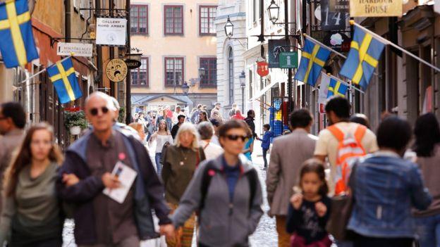 Pedestres em Estocolmo