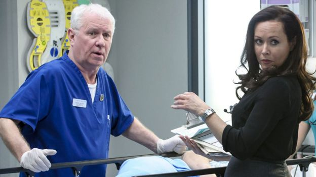 Derek Thompson and Amanda Mealing in Casualty