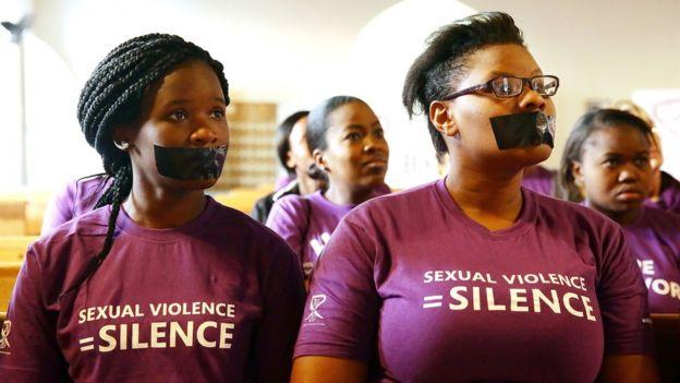 Dans un pays où plus de 50 000 femmes sont violées chaque année selon la police, l'affaire fait grand bruit.