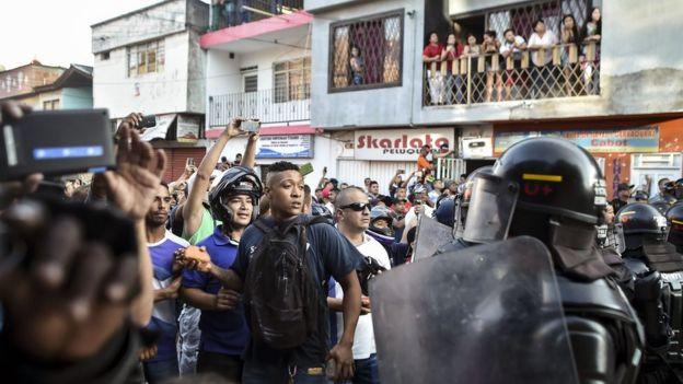Protesta contra un mitin de la FARC.