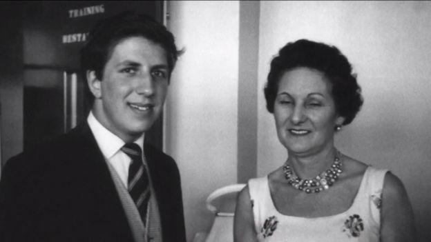 Peter Price con su madre
