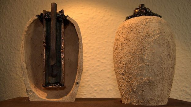 Reproducción de pilas de Bagdad hechas por MJ2 Artesanos.