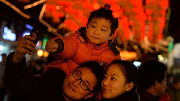 """中国单身未婚女明星_BBC: 中国""""冻卵旅游""""兴起 - 为何单身女性前往海外冻卵 ..."""