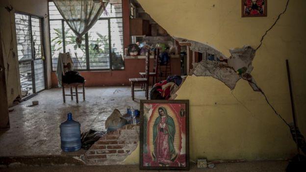 edificio destruido en Mexico