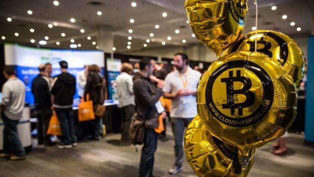 Globos de bitcoin