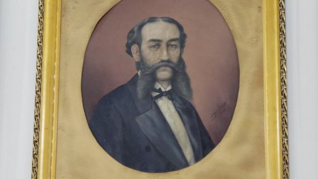 Retrato de José María González Benito exhibido en el Observatorio Nacional.