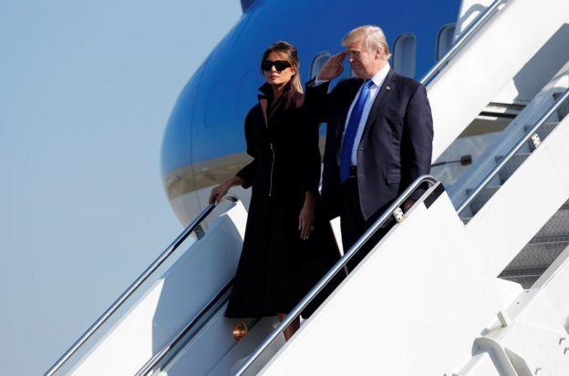 美國總統特朗普和第一夫人梅拉妮亞11月7日乘坐