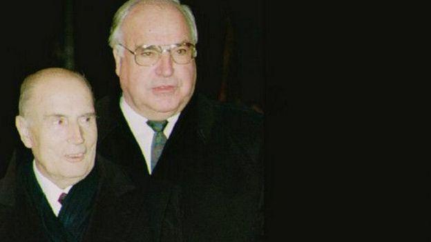 Francois Mitterrand y Helmut Kohl
