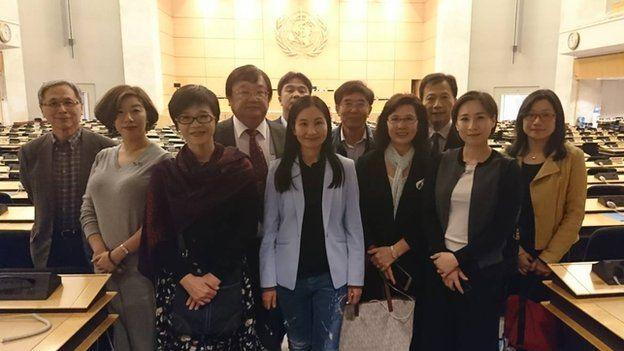 立法院各黨團推派的世界衛生大會視導團20日下午前往萬國宮參觀。