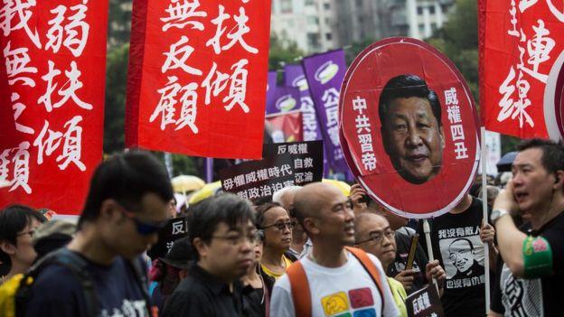 香港民主派政團於中國國慶日遊行反對習近平對港政策(1/10/2017)