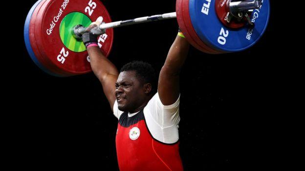 Petit Minkoumba weightlifting