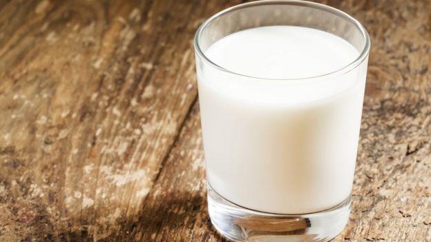 Preço do leite subiu 18% até junho e se aproxima de patamar inédito, dizem especialistas