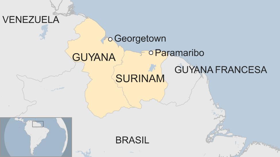Mapa localizador de Guyana y Surinam.