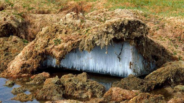 Tibet platosundaki donmuş toprak tabakası