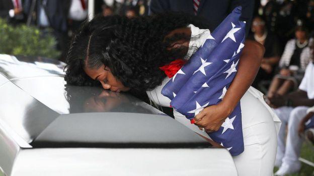 Trump fait pleurer la veuve d'un soldat