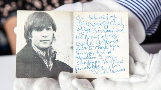 بطاقة بريدية وقعها جون لينون