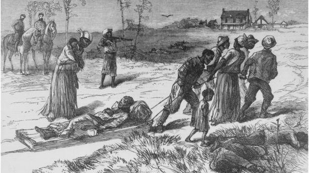 Ilustração em preto e branco do transporte de vítimas de um ataque racista em Luisiana em 1873.