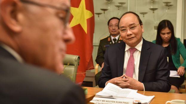 Hôm 15/3, Thủ tướng ÚcMalcolm Turnbull và Thủ tướng Nguyễn Xuân Phúc đã hội đàm và ký tuyên bố chung về thiết lập quan hệ Đối tác Chiến lược Việt Nam - Australia.