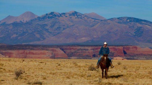 Adams a caballo en Utah.