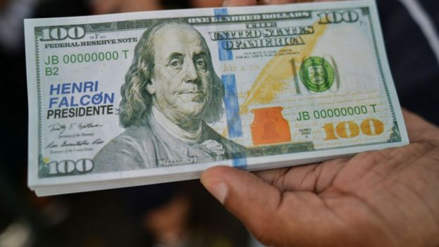 Dólar falso.