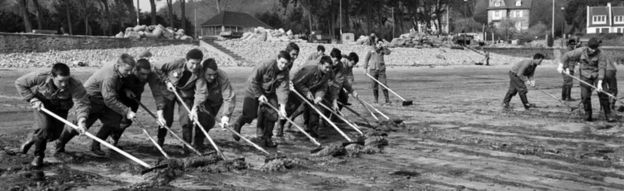 Cleaning up after the Torrey Canyon disaster