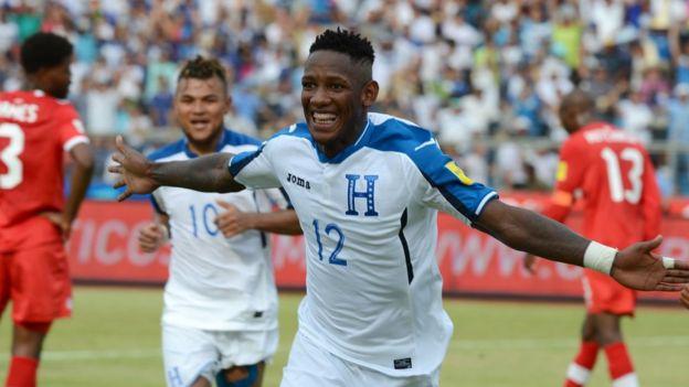 Romell Quioto celebra su gol