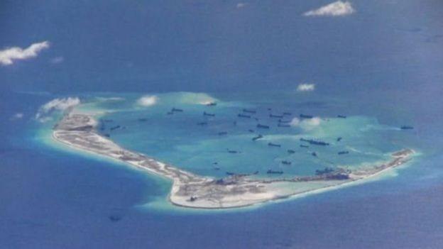 Trung Quốc xây đảo nhân tạo tại Biển Đông