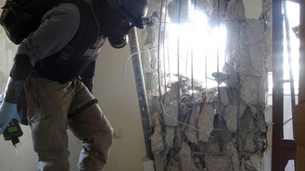Inspetor de armas químicas da ONU no local de um ataque som sarin nos arredores de Damasco em 29 de agosto de 2013