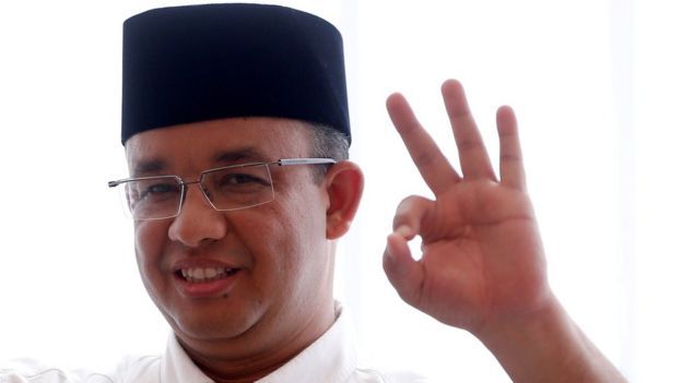 Candidate governor Anies Baswedan casts his vote in the Jakarta governor election in South Jakarta, Indonesia 19 April 2017.